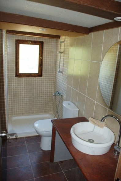 guest-house-bathroom