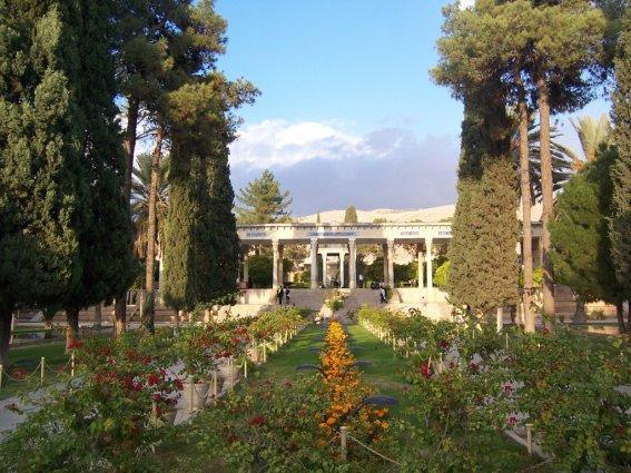 hafez-tomb2